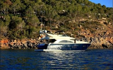Charter luxury yacht Astondoa 66 glx in Ibiza city - Ibiza (Balearic Islands)