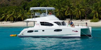 Charter luxury yacht Moorings 393 PC in Road Town - Tortola