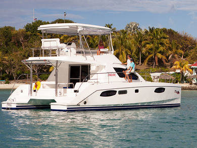 Hire luxury yacht Moorings 393 PC in Road Town - Tortola