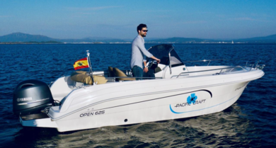 Rental motorboat Pacific Craft 625 Open in Palma de Mallorca - Majorca (Balearic Islands)
