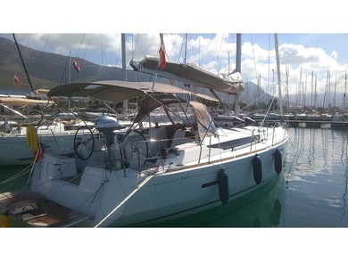 Hire sailboat Sun Odyssey 449 in Sao Vicente city - Sao Vicente