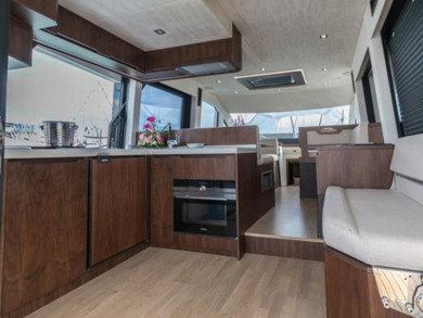 Hire luxury yacht Galeon 460 Fly in Phuket city - Phuket