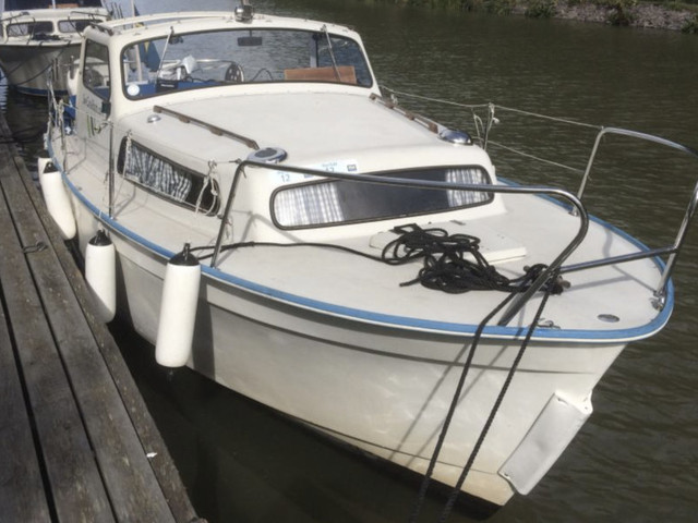 Rental motorboat Albin 25 in  -