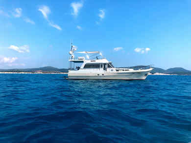 Hire luxury yacht Waverunner 55 in Portisco - Olbia-Tempio (Sardinia)