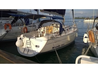 Hire sailboat Moody 336 in Corfu - Ionian Islands