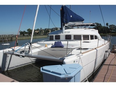 Hire catamaran Lagoon 380 S2 in Ibiza city - Ibiza (Balearic Islands)