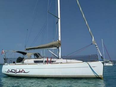 Hire sailboat Sun Odyssey 33i in  -