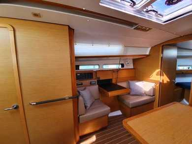 Hire sailboat Sun Odyssey 33i in  - Trat