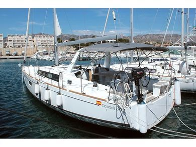 Hire sailboat OCEANIS 38.1 in Palma de Mallorca - Majorca (Balearic Islands)