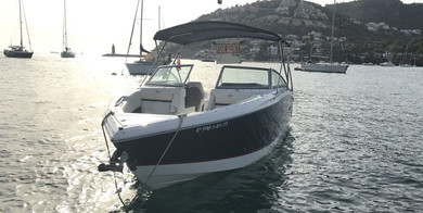 Rental motorboat Cobalt R5 in Andratx - Majorca (Balearic Islands)