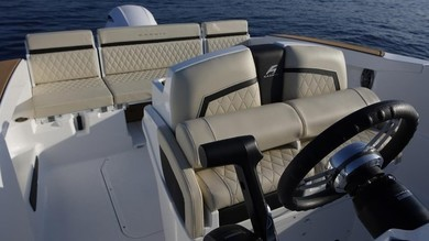 Hire motorboat Karnic SL 602 in Port de Alcudia - Majorca (Balearic Islands)
