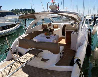 Hire luxury yacht Sessa C38 in Izola - Istria