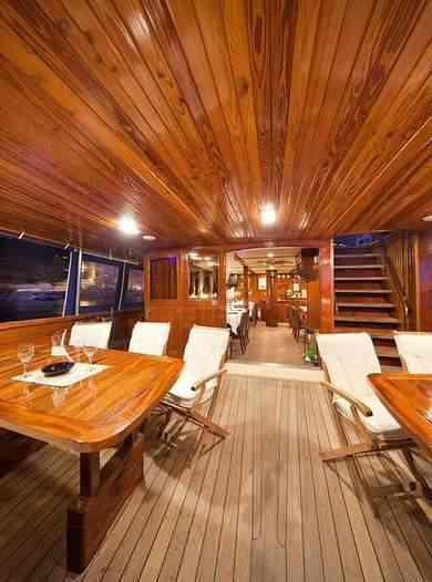 Hire luxury yacht Motor Sailor in Split city - Split