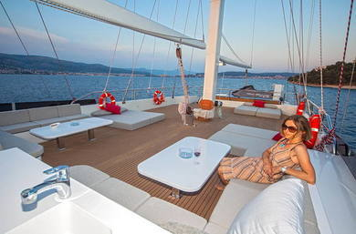 Charter luxury yacht Luxury Sailing Yacht in Split city - Split