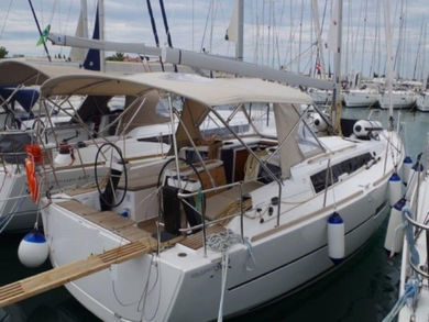Rental sailboat Dufour 360 Grand Large in Sant Antoni de Portmany - Ibiza (Balearic Islands)