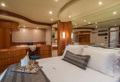 Rental luxury yacht Azimut 68 in Piraeus - Attica