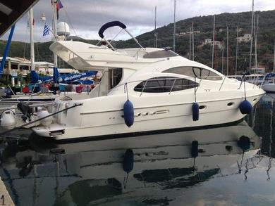Hire motorboat Azimut 42 in Athens - Attica