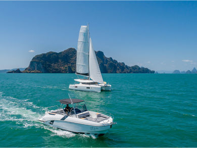 Hire motorboat Beneteau Flyer 8.8 in Phuket city - Phuket