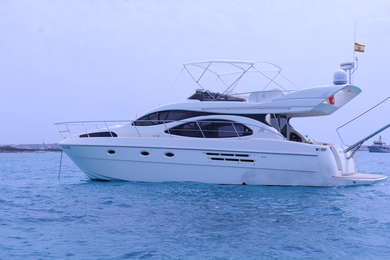 Hire luxury yacht Azimut 46 Fly in Barcelona city - Barcelona