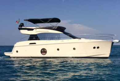 Rental luxury yacht Monte Carlo 5 in Andratx - Majorca (Balearic Islands)