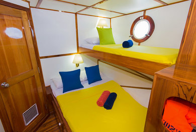 Charter luxury yacht Custom yacht in Baltra - Galapagos Islands