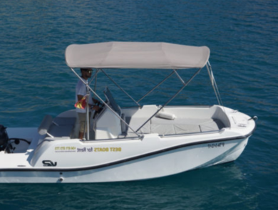 Rental motorboat V2 first class in El Toro - Majorca (Balearic Islands)