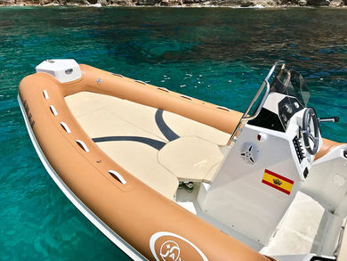 Charter motorboat Saver MG580 in Andratx - Majorca (Balearic Islands)