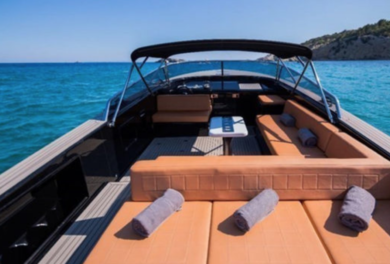 Hire luxury yacht VAN DUTCH 40 in Ibiza city - Ibiza (Balearic Islands)