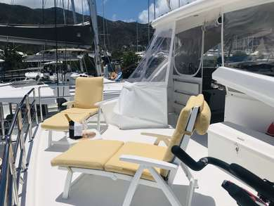 Hire luxury yacht Horizon 60 Power Cat in Road Town - Tortola
