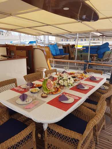 Hire gulet custom Built in Puerto Calero - Mugla