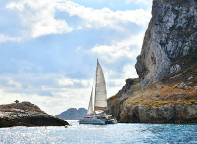 Hire catamaran Lagoon 450 in Marseille - Bouches du Rhone