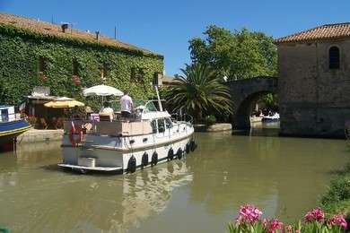 Rental motorboat Linssen 30.9AC in Vermenton - Yonne