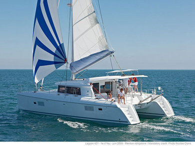Rental catamaran LAGOON 421 in Sant Antoni de Portmany - Ibiza (Balearic Islands)