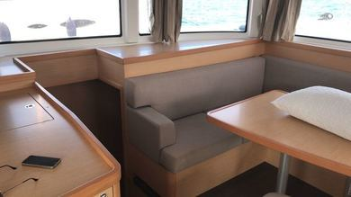 Hire catamaran Lagoon 42 in St. George city - St George