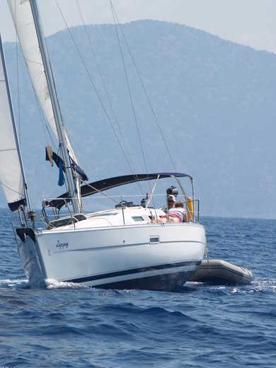 Hire sailboat Oceanis 323 in Fethiye - Mugla