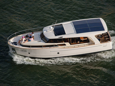 Hire motorboat Greenline 40 in  -