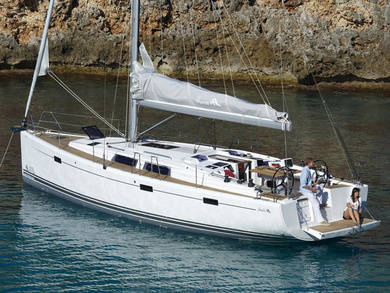 Charter sailboat Hanse 415 in Sant Antoni de Portmany - Ibiza (Balearic Islands)
