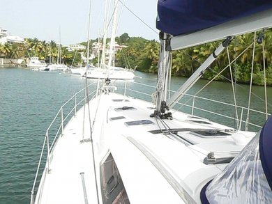 Charter sailboat Oceanis 54 in Martinique city - Martinique Island