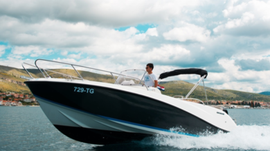 Charter motorboat Quicksilver activ 675 open in Split city - Split