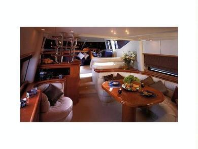 Hire luxury yacht Sunseeker Manhattan 62 in Port de Alcudia - Majorca (Balearic Islands)