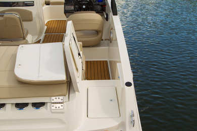 Rental motorboat Bayliner VR6 OB in Port de Alcudia - Majorca (Balearic Islands)