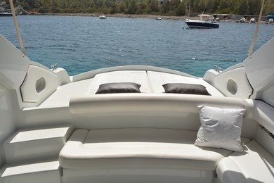 Hire motorboat Pershing 37 in Ibiza city - Ibiza (Balearic Islands)