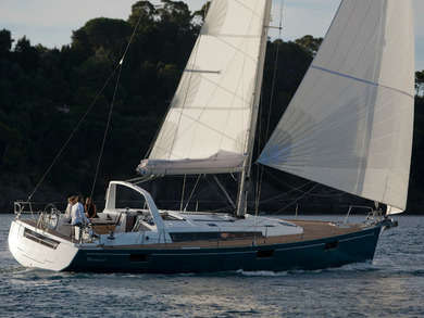 Hire sailboat Oceanis 48 in Kalkara - Malta