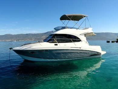 Hire motorboat Antares 30 Fly in Split city - Split