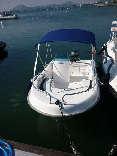 Charter motorboat Yamaha Quasar in Port de Pollensa - Majorca (Balearic Islands)