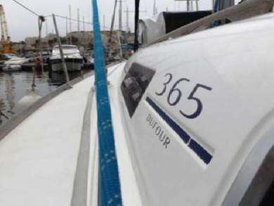 Hire sailboat Dufour 365 in Kalkara - Malta