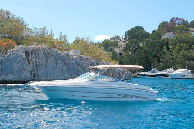 Rental motorboat Sea Ray 280 Bowrider in Santa Ponsa - Majorca (Balearic Islands)